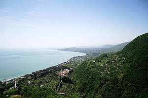 Абхазия — рай на земле, Новый Афон — его жемчужина
