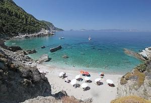 Агиос пляж