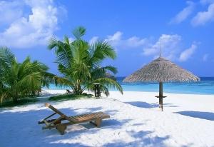 Голубые оттенки песка на Багамах