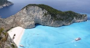 Пляжи Греции с белым песком и голубые флаги ЮНЕСКО за чистоту