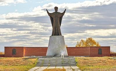 Памятник святому Николаю Чудотворцу в Омске